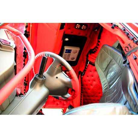Tapicerka wnętrza Volvo FH